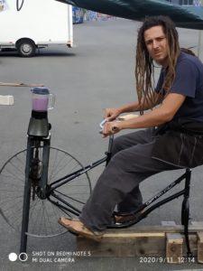 stand de présentation de l'atelier vélo et récupération de vélos à la déchetterie de Pau